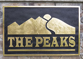 Neighborhood sign for The Peaks in Jefferson Twp, Morris County, NJ